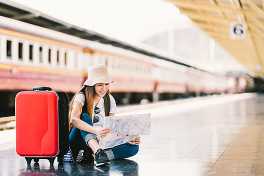 4 Ways to Travel This Summer and Still Have Money for School